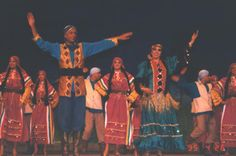 Atef and Magda Farah performing with Reda Troupe