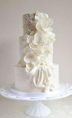 Featured Cake: The Cake Whisperer; Wedding cake idea.