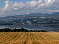 Dingwall and the Cromarty Firth by foxypar4, via Flickr. This is exactly how I remember the Black Isle looking. My favourite place on earth.