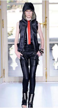 Lisbeth Salander Style...roarrr - es gibt so viele Gründe, Westen zu lieben! (by Balenciaga, Foto von style.com via Miss au Courant)