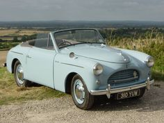1952 Austin Sports Maintenance of old vehicles: the material for new cogs/casters could be cast polyamide which I (Cast polyamide) can produce Vintage Cars, Vintage Style, Antique Cars, Austin Cars, British Sports Cars, Cars Uk, Classic Mercedes, Sports Car Racing, Sweet Cars