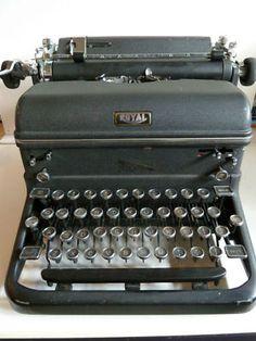 Vintage Royal Typewriter Works Great 1948 Model ! Royal Typewriter, Vintage Typewriters, Tattoo Ideas, My Style, Model, Scale Model, Models, Template