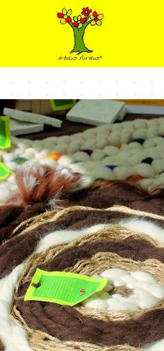 Alfombra tejida a mano en telar circular, intervenida en lana merino, sisal, yute, medidas 90 cm de diámetro. Creación de árbolus floralus. arbolusfloralus@gmail.com, Whatsapp 634344518
