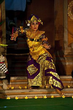 "Bali Dancer(spirit of bali) "" I like her dance by kt"""
