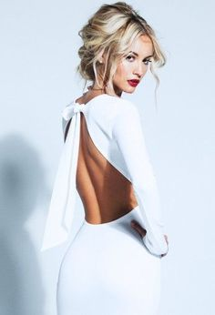 (via Pin by Kadag Drolma on Fashion - White | Pinterest)
