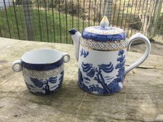 Blue Chinaware, Blue And White, Collections, Dishes, Beauty, Porcelain, Tablewares, Beauty Illustration, Dish