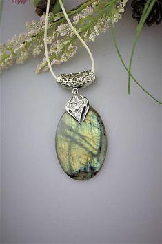 Sima-polodrahokamy / Labradorit prívesok - veľký Pendant Necklace, Jewelry, Jewlery, Jewels, Jewerly, Jewelery, Drop Necklace, Accessories
