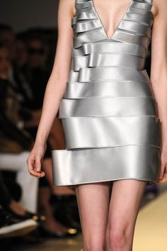 Silver dress with folded ribbon-like fabric structure; creative fashion details // Gloria Coelho