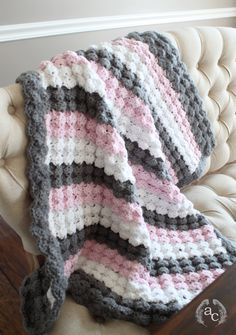 { puff shell crochet baby blanket } I used this tutorial by Maggie's Crochet to learn this lovely stitch. The video was very easy to follow and I was very happy with how the blanket turned o…