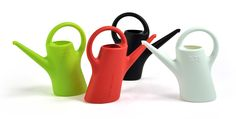 Eero Aarnion mini EverGreen kastelukannut 0,75L. Mini watering cans from Eero Aarnio. Made in Finland.