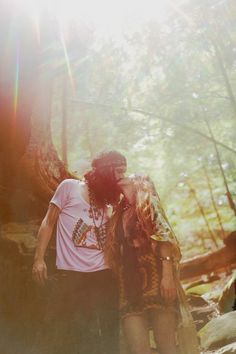 MARMALADE SKIES Sugarhigh+Lovestoned {remote lookook} Photographer: Bliss Katherine Braoudikis Models: Ashley Krantz & Sean McVey & Bliss Braoudikis Styled by Ashley Krantz Hair/Make-up: Peggy Wright Hippie Style, Hippie Love, Gypsy Soul, Hippie Bohemian, Hippie Chic, Hippie Vibes, Hippie Couple, Sugarhigh Lovestoned, Hippie Lifestyle