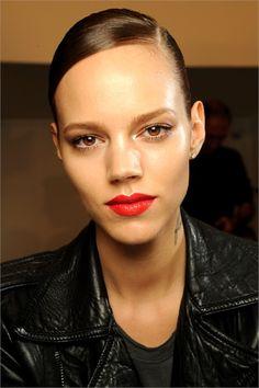 Freja Beha Erichsen makeup