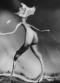 -Online Browsing-: André Kertész: Distorsions Andre Kertesz, Artistic Photography, White Photography, Digital Photography, Fashion Photography, Paris New York, Still Frame, Moving To Paris, Photo Composition