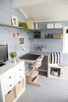 Technically a children's room desk, but setup works as home office also Interior Design Ikea, Home Interior, Interior Decorating, Diy Home Accessories, Home Upgrades, Diy Home Decor Projects, Boy Room, Decoration, Shabby Chic
