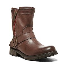 Loving these Steve Madden boots for some reason. Not my usual choice.