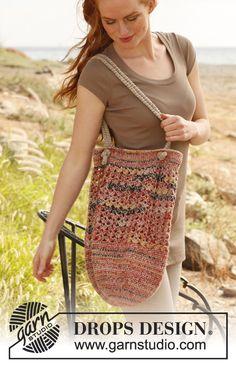 """Crochet DROPS bag in """"Fabel"""" and """"Lin"""". ~ DROPS Design"""