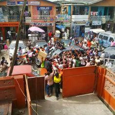 Searchlight Nigeria: Photos : Iyanya Causes Pandemonium At Computer Village