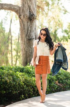 cute & little blog | petite fashion | denim jacket, white chiffon blouse, suede skirt, kendra scott rayne necklace, clare v foldover clutch, peep-toe booties | fall 70s outfit