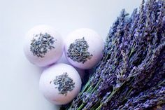 BrightNest | Little Luxuries: How to Make the Perfect Bath Bomb with this #DIY recipe