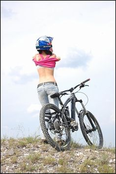 Freefalling - get your downhill gear at http://downhill.cybermarket24.com