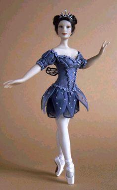 Dollhouse Dolls, Miniature Dolls, Doll House People, Ballerina Barbie, Ballet Poses, Dancing Dolls, Tiny Dancer, Ballet Costumes, Monster High Dolls