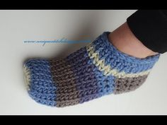 CROCHET SLIPPERS /FAST AND EASY KNIT STITCH/UNISEX#crochetslippers#easytutorial#howtocrochet - YouTube Diy Crochet Slippers, Easy Crochet Socks, Crochet Slipper Boots, Fast Crochet, Crochet Boot Cuffs, Crochet Slipper Pattern, Crochet Wool, Crochet Shoes, Crochet Patterns