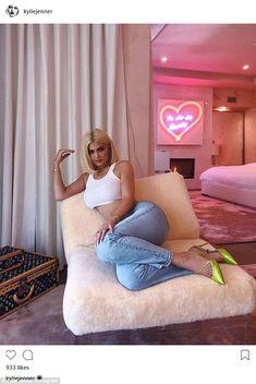 Kris Jenner, says billionaire daughter Kylie Jenner is 'smart' Kris Jenner, Kylie Jenner Haus, Looks Kylie Jenner, Kylie Jenner Style, Kylie Jenner Bedroom, Kylie Jenner Fashion, Kendall Jenner House, Kendall Jenner Outfits, Trajes Kylie Jenner