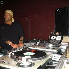 Joe Claussell Live mix set by Soulmeka Audio archives House Music Artists, Larry Levan, Dj Booth, Music And Movement, Dj Equipment, Music Fest, Mixers, Live, Audio