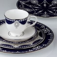Shop Lenox Fine China, Made in America | Over 100 Patterns | White or Ivory, Platinum or Gold Trim