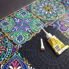 1 million+ Stunning Free Images to Use Anywhere Dot Art Painting, Mandala Painting, Ceramic Painting, Stone Painting, Mandala Dots, Mandala Design, Tile Art, Mosaic Art, Tile Patterns
