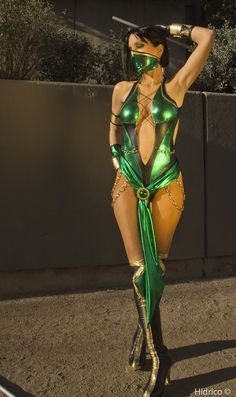 Jade from Mortal Kombat, loving everything about this