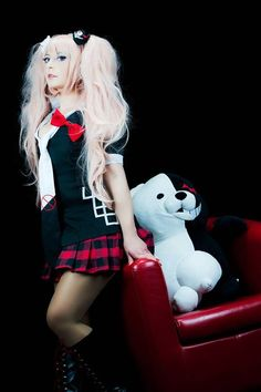 Hi!!! How are you? I'm working hard on my big next project (#wip soon on #instagram and here).  Meanwhile I want share with you another pics of my Junko Enoshima cosplay. Hope you like it   I want play to Danganronpa V3: Killing Harmony NOOOOWWW