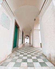 Sono quasi sempre chiusi purtroppo ma i santuari delle Cinque Terre meritano comunque una visita: perché sono belli anche dallesterno perché offrono panorami e scorci spettacolari perché i sentieri che li collegano sono tra i nostri preferiti e poi perché raccontano la storia locale.  Quello di Montenero poi è una meraviglia!  #beautifuldestinations #exploringtheglobe #seetheworld #mytinyatlas #passionpassport #amazingarchitecture #architecture #OasiLevanto #Riomaggiore #ItalianRiviera… Riomaggiore, Hotel, Cinque Terre, College, Boutique, Mirror, Instagram, Home Decor, Homemade Home Decor