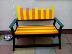 Repainted wooden sofa :) Check out more upcycling items up in the Shpock app 📲 #Colorful #garden