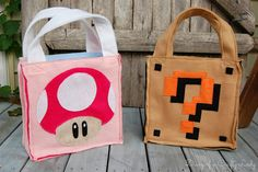 Diary of a Crafty Lady: Super Mario Brothers Custom Felt Trick-or-Treat bags - Picture only Halloween Bags, Halloween Trick Or Treat, Disney Halloween, Halloween Costumes For Kids, Baby Halloween, Halloween Crafts, Halloween Cosplay, Halloween Ideas, Mario Costume Diy