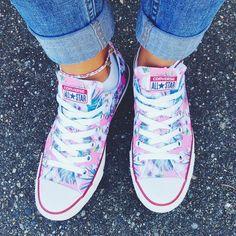 Kick the Monday Blues  Photo: @carakuulei #loveqtee #custom #kicks