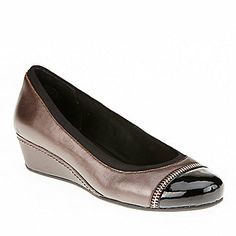We'll compare the Dyhana to a heel you already know and love,Easy Spirit Women's Dyhana Slip-On Shoes (FootSmart.com)