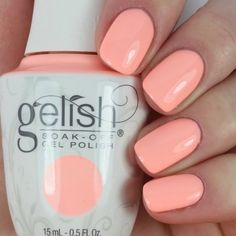 Elizabeth stays cool with #SelfieReadyNails using her gifted Gelish Soak-Off Gel Polish in All About The Pout. See this salon-exclusive up close by clicking through. Products were gifted as part of the Preen.Me VIP program together with Gelish.