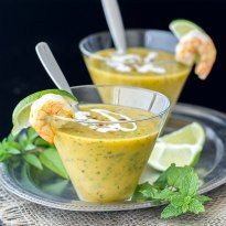This Thai Gazpacho recipe puts a Thai spin on the popular chilled soup with the favorite salty, sweet, sour, spicy flavors so delicious in Thai food. Thai Recipes, Soup Recipes, Healthy Recipes, Recipies, Whole30 Recipes, Curry Recipes, Clean Recipes, Healthy Meals, Gazpacho Recipe