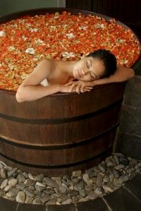 Spend an entire day getting all the ridiculously overpriced spa treatments offered, from massage to facial to pedicure. Spas, Massage Place, Good Massage, Neck Massage, Massage Oil, Jacuzzi, Yoga Sport, Spa Packages, Spa Tub
