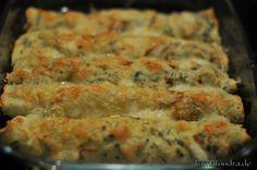 Ueberbackene Kraeuterpfannkuchen mit Champignonfuellung