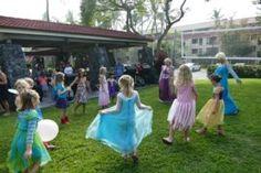 8. Prinzessinnen-Geburtstag meiner Zwillinge. Elsa von Frozen und Rapunzel haben sie überrascht :-)  8. princess-birthday of my twins. Elsa from Frozen and Rapunzel surprised them :-)