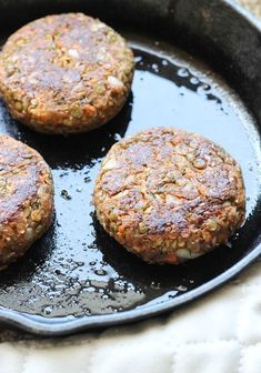 Lentil Veggie Burgers- packed with protein and delicious flavor! #vegetarian #glutenfree