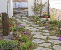 Taşlarla Yapılmış Bahçe Fikirleri ,  #bahçedekorasyonumodelleri #bahçedekorasyonunasılyapılır #bahçetaşlarınasıldöşenir #dekoratifbahçetaşları #taşlarlabahçesüsleme , Bahçe düzenlemede birçok farklı boyutlarda taşlar kullanırız. Çakıl taşları ile bahçe düzenleme yaparız. Daha büyük taşlarla dekore e...