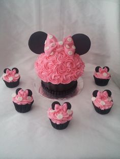 Minnie Cupcake--- oh Maddie ! look what Nanny found ! we should have Stacey do these just because! xo