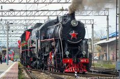 В Краснодаре встретили ретро-поезд «Победа».