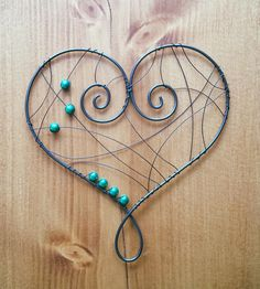 Srdce zelené Copper Wire Art, Copper Wire Jewelry, Wire Jewelry Making, Wire Wrapped Jewelry, Wire Hanger Crafts, Wire Crafts, Bead Crafts, Wire Spider, Wire Ornaments