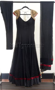 Simple and elegant anarkali. Love the hint of red. #black #gold