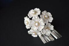 White Sakura bira kanzashi maiko style boquette. Wedding geisha kanzashi