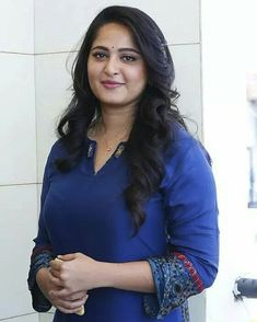 Simplicity has it's Own Beauty ❤ Being Simple yet Stunning is Being Sweety Beautiful Bollywood Actress, Most Beautiful Indian Actress, Beautiful Actresses, Beautiful Girl In India, Beautiful Girl Image, Beauty Full Girl, Beauty Women, Anushka Photos, Actress Anushka